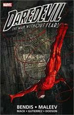 Couverture Daredevil by Brian Michael Bendis & Alex Maleev Ultimate Collection, Book 1