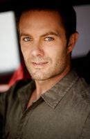 Photo Garret Dillahunt