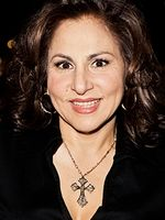 Photo Kathy Najimy