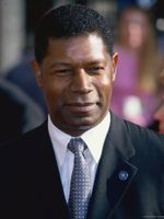 Photo Dennis Haysbert