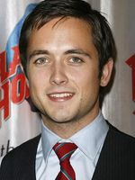 Photo Justin Chatwin