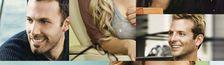 Illustration Cliché de la fille qui regarde un film dans son lit avec un pot de crème glacée
