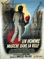 Affiche Un homme marche dans la ville