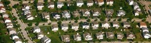 Cover Ambiance jolis petits quartiers résidentiels de banlieues états-uniennes dans lesquels il se passe un truc louche...