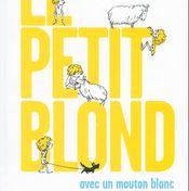 Affiche Le petit blond avec un mouton blanc