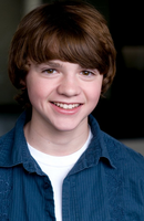 Photo Joel Courtney