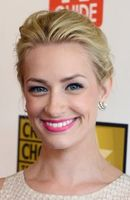 Photo Beth Behrs