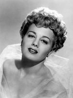 Photo Shelley Winters