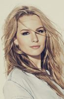 Photo Bridgit Mendler