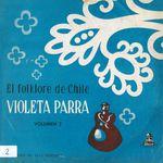 Pochette El folklore de Chile, vol. II: Violeta Parra, acompañándose en guitarra