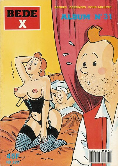 Blonde babe masturbating pussy