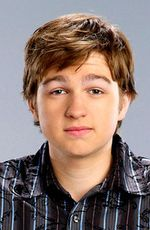 Photo Angus T. Jones
