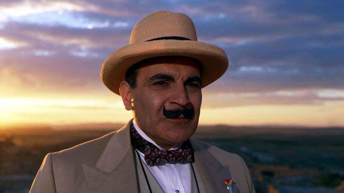 Hercule Poirot Aikataulukon Arvoitus