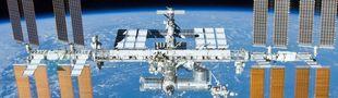 Cover Univers - Top 15 à l'intérieur d'une Station spatiale