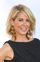 Photo Jenna Elfman