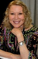 Photo Leslie Easterbrook