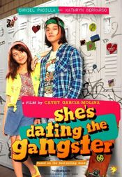 Affiche She's Dating the Gangster
