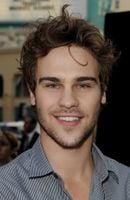 Photo Grey Damon