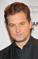 Photo Shea Whigham