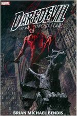 Couverture Daredevil by Brian Michael Bendis and Alex Maleev Omnibus, Vol. 1