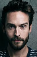 Photo Tom Mison