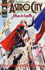 Couverture Album de famille - Astro City, tome 3