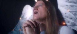 """Vidéo LE CLIP DU JOUR : Black Bones lâche le clip de """"Deathco"""", et c'est de la bombe"""