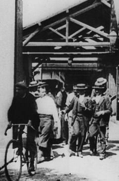Affiche La sortie de l'usine Lumière à Lyon