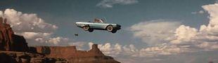 Cover Les voitures, les motos, les camions...enfin les véhicules qui sautent d'une falaise, d'un pont, d'un immeuble... dans les films.