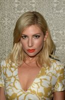 Photo Ari Graynor