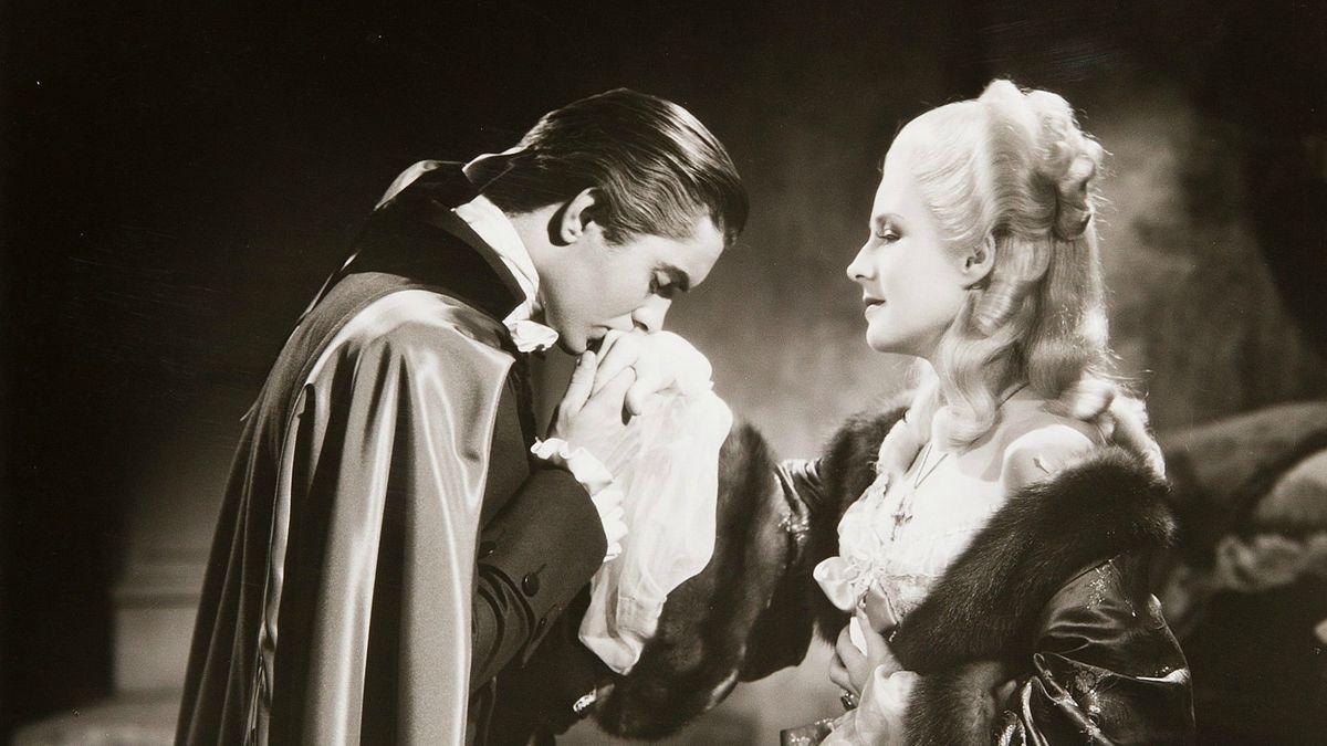 Avis sur le film Marie-Antoinette (1938) par Plume231 - SensCritique