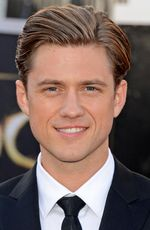 Photo Aaron Tveit