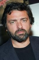 Photo Angus Macfadyen