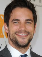 Photo Brant Daugherty