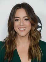 Photo Chloe Bennet