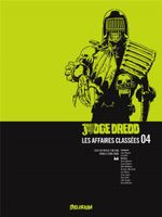 Couverture Judge Dredd : Les affaires classées, tome 4