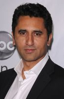 Photo Cliff Curtis