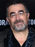 Photo Saul Rubinek
