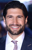 Photo Kayvan Novak