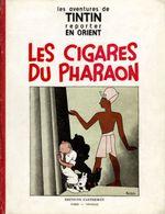 Couverture Les Cigares du pharaon - Les Aventures de Tintin, tome 4 (première version N&B)