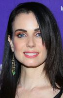 Photo Mia Kirshner