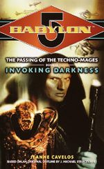 Couverture Invoking Darkness - The Passing of the Techno-Mages #3